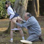 少女の肛門をパックリ拡張!ウンコが噴き出す肛門へペニスをねじ込む
